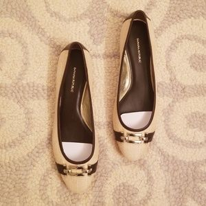 Banana Republic flats sz 8